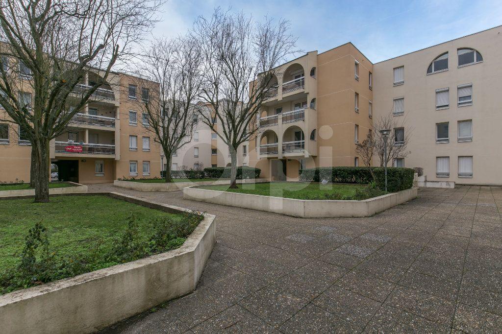 Appartement à vendre 4 88.64m2 à Torcy vignette-4