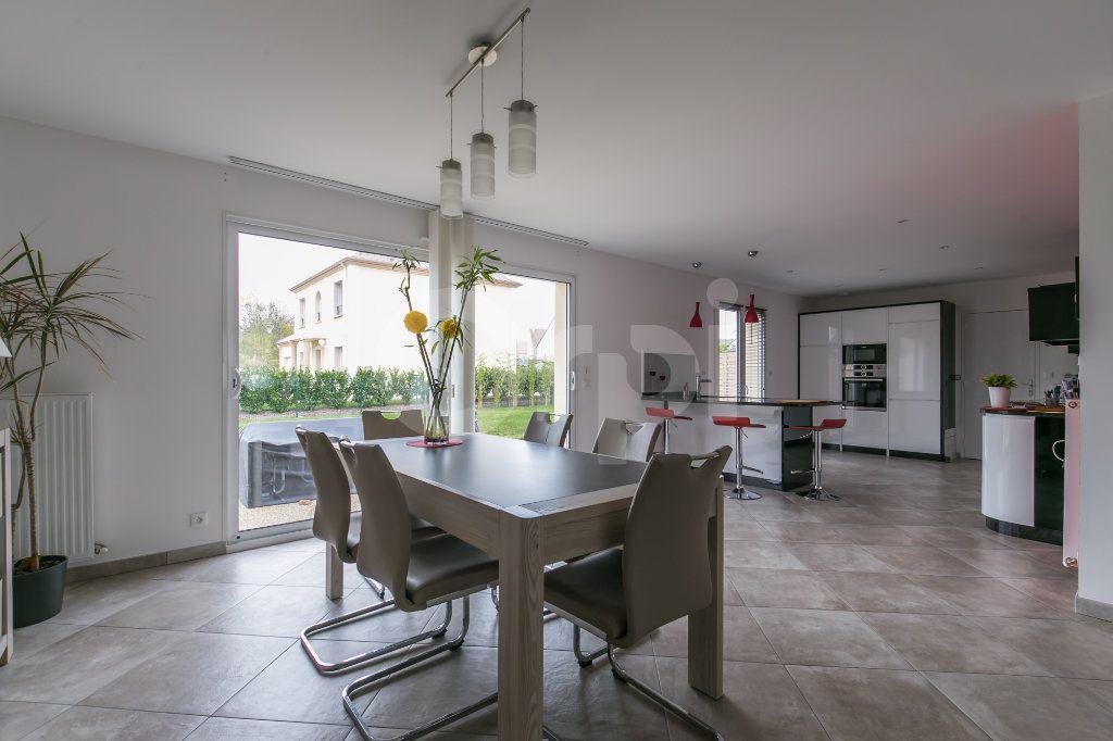 Maison à vendre 5 154m2 à Saint-Germain-sur-Morin vignette-2