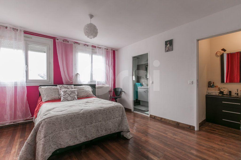 Maison à vendre 6 181m2 à Bailly-Romainvilliers vignette-1