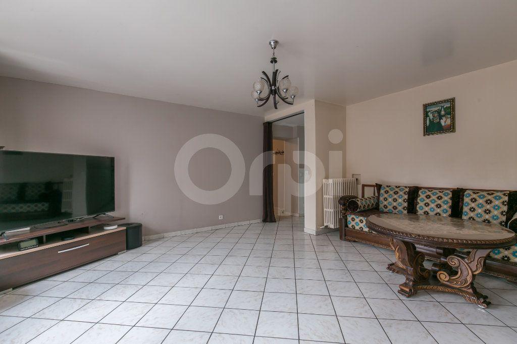 Maison à vendre 6 181m2 à Bailly-Romainvilliers vignette-3