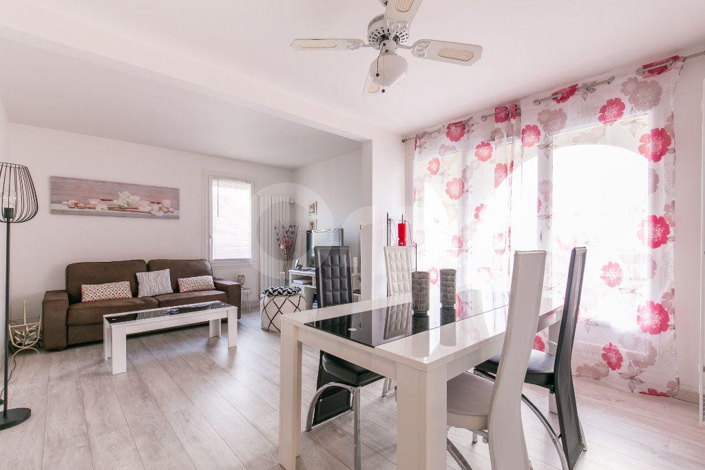 Appartement à vendre 2 49.77m2 à Torcy vignette-1