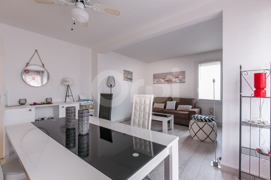 Appartement à vendre 2 49.77m2 à Torcy vignette-2