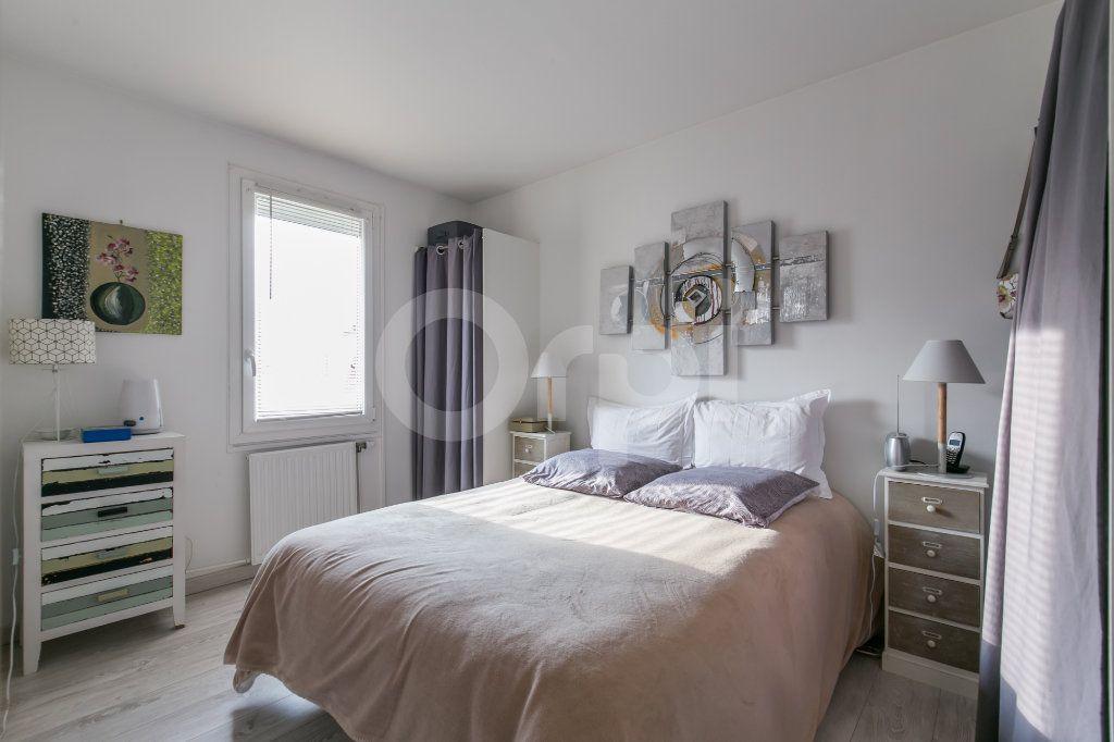 Appartement à vendre 2 49.77m2 à Torcy vignette-5