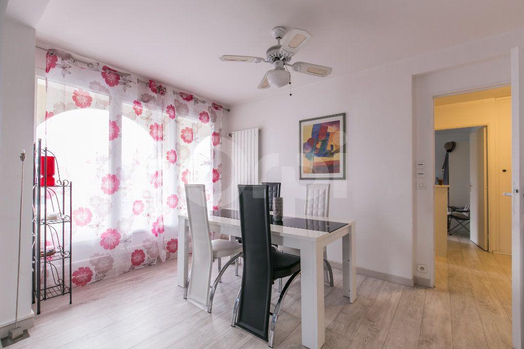 Appartement à vendre 2 49.77m2 à Torcy vignette-9