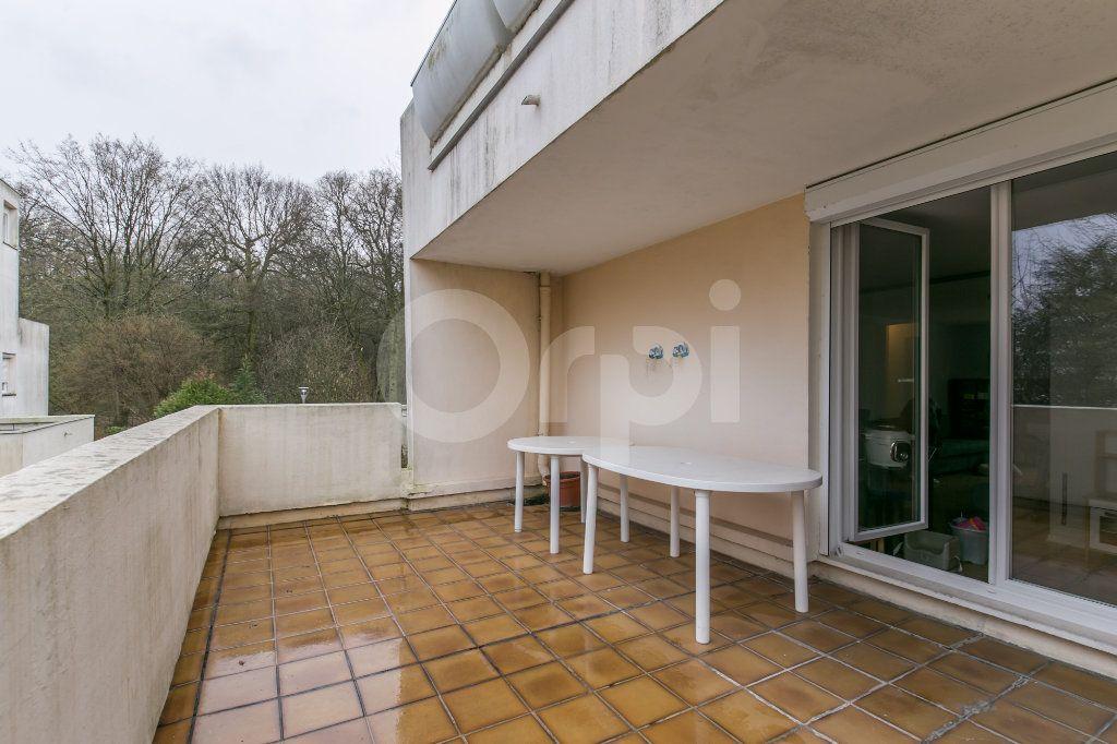 Appartement à vendre 5 101.38m2 à Noisiel vignette-2