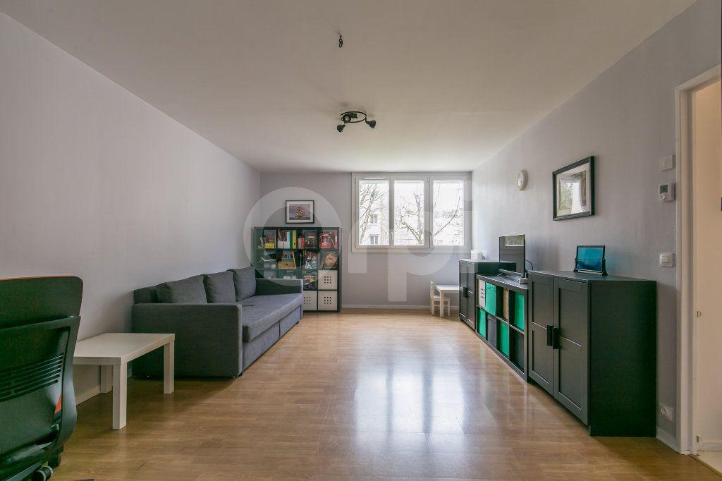 Appartement à vendre 5 101.38m2 à Noisiel vignette-3