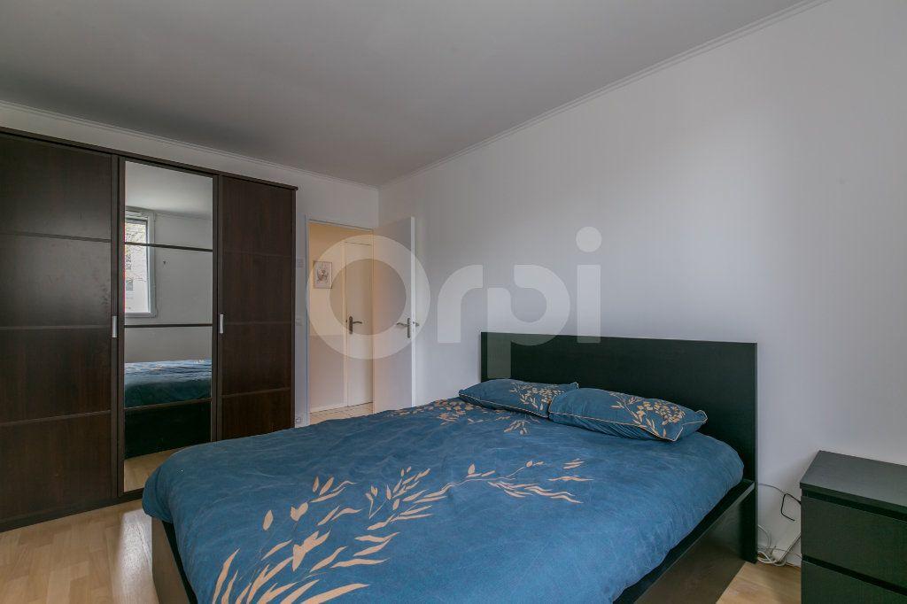 Appartement à vendre 5 101.38m2 à Noisiel vignette-9