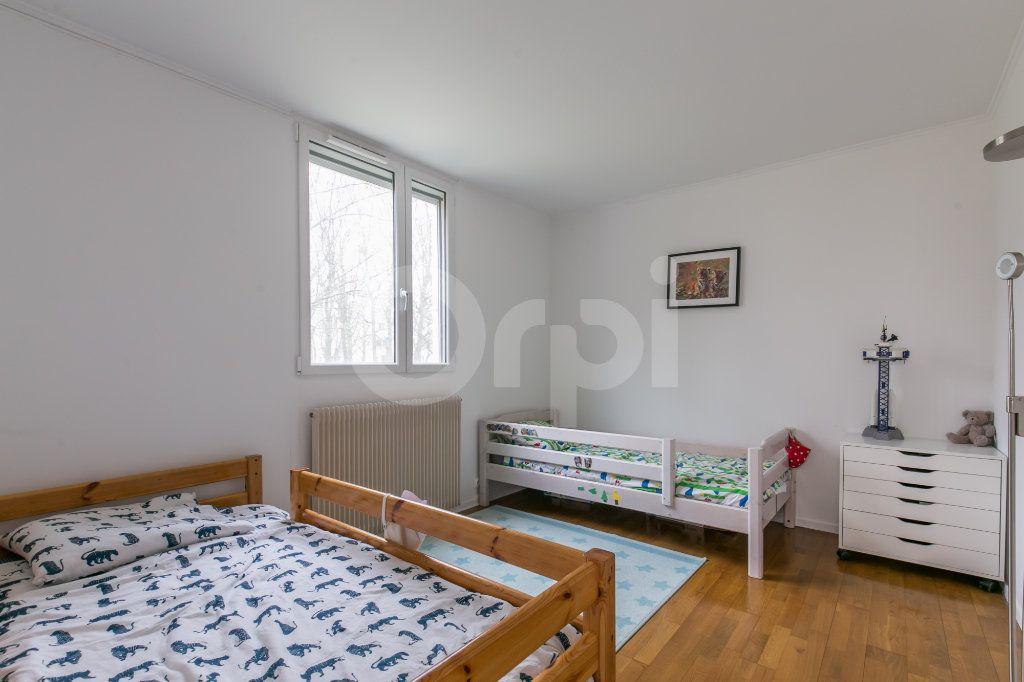 Appartement à vendre 5 101.38m2 à Noisiel vignette-10