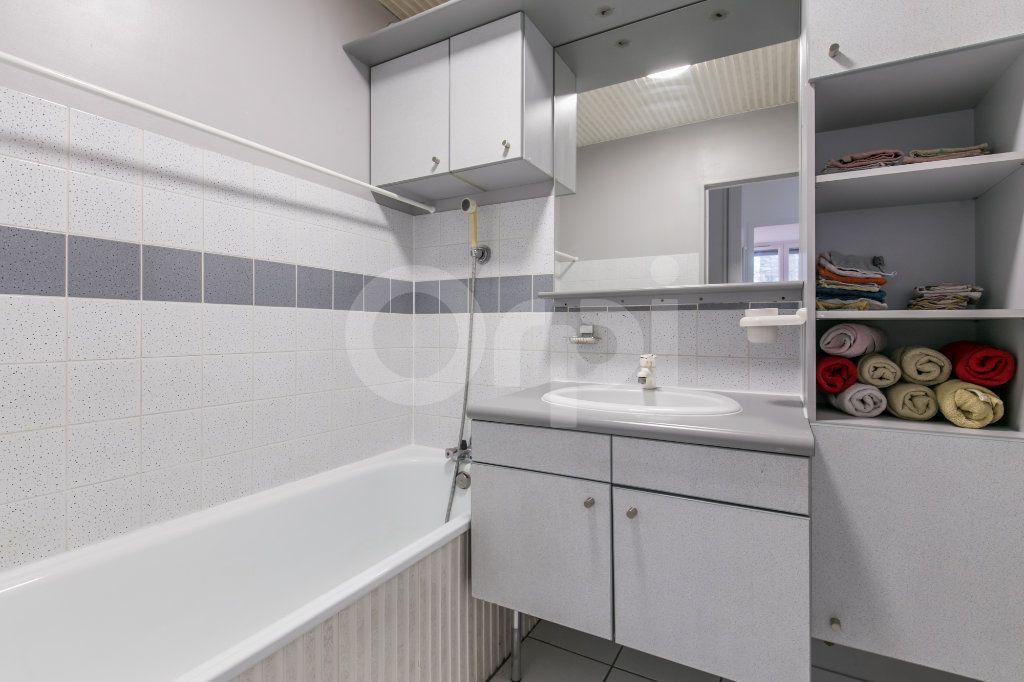 Appartement à vendre 5 101.38m2 à Noisiel vignette-11
