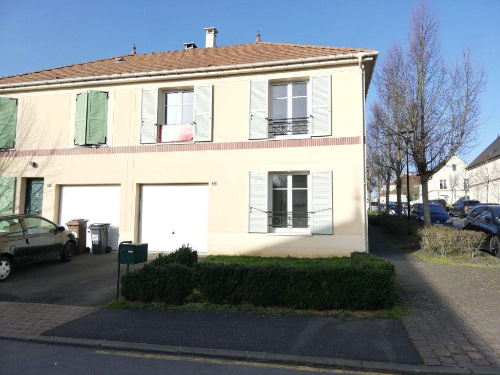 Maison à louer 6 105.59m2 à Magny-le-Hongre vignette-1