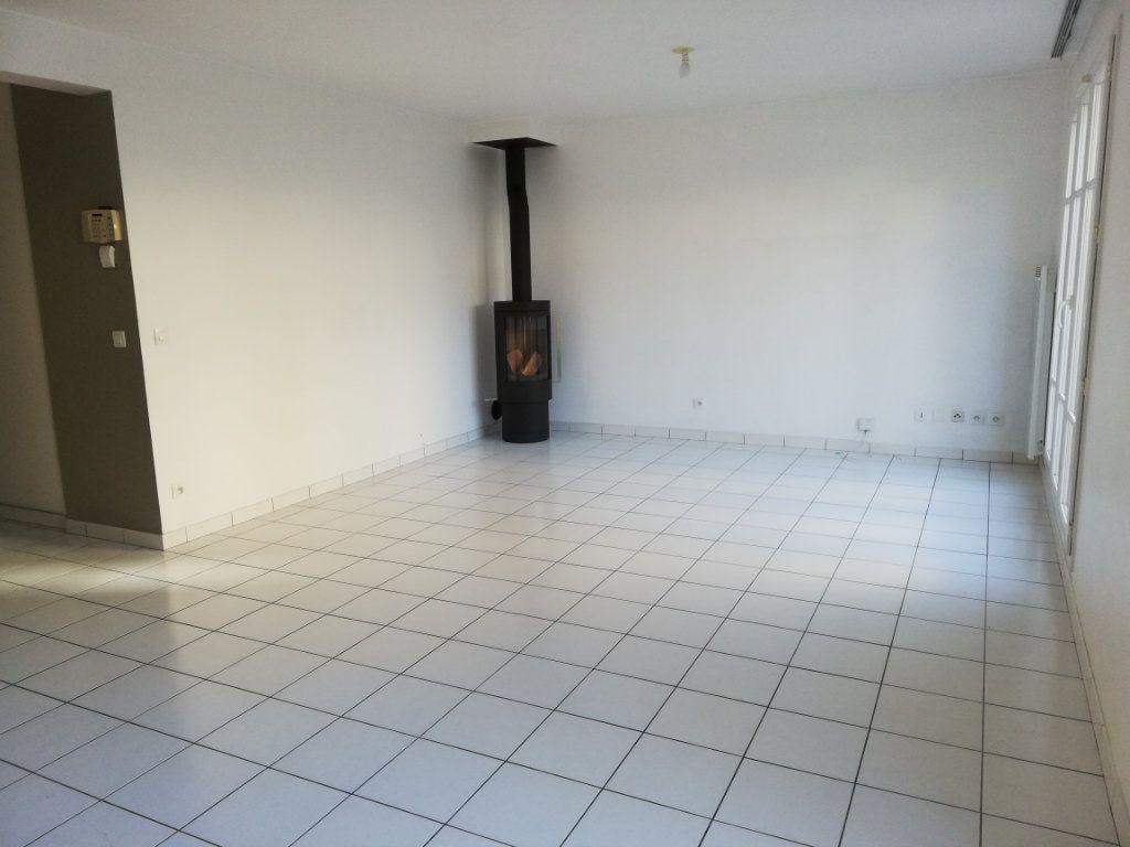 Maison à louer 6 105.59m2 à Magny-le-Hongre vignette-3
