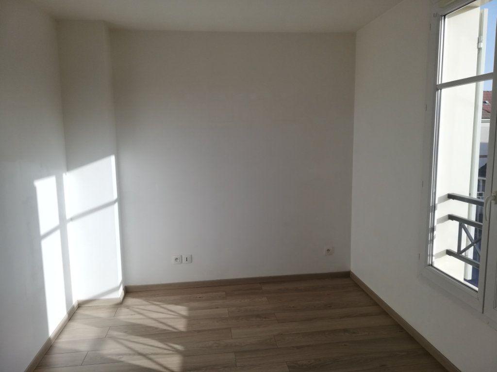 Maison à louer 6 105.59m2 à Magny-le-Hongre vignette-7
