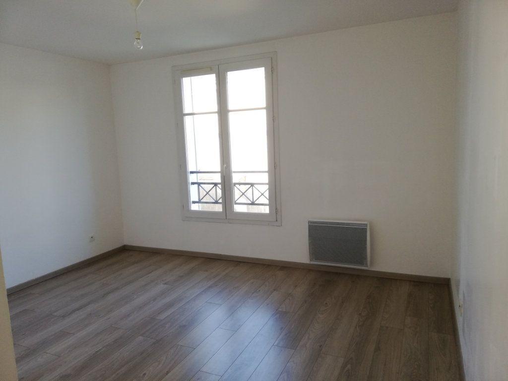 Maison à louer 6 105.59m2 à Magny-le-Hongre vignette-8