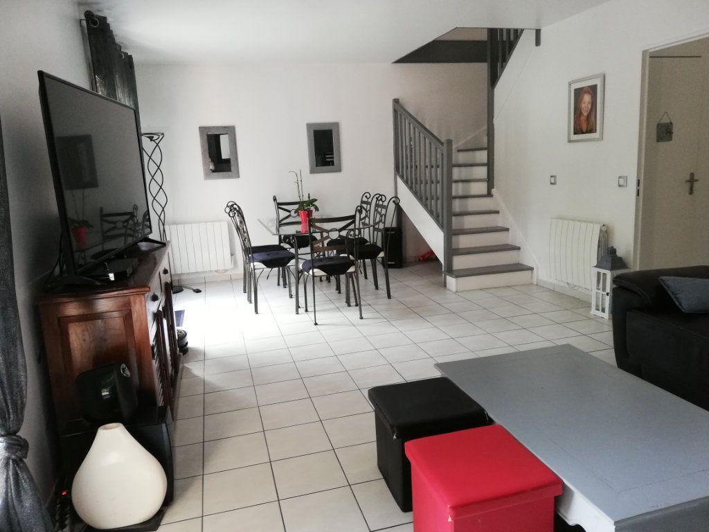 Maison à louer 5 102.3m2 à Bailly-Romainvilliers vignette-3