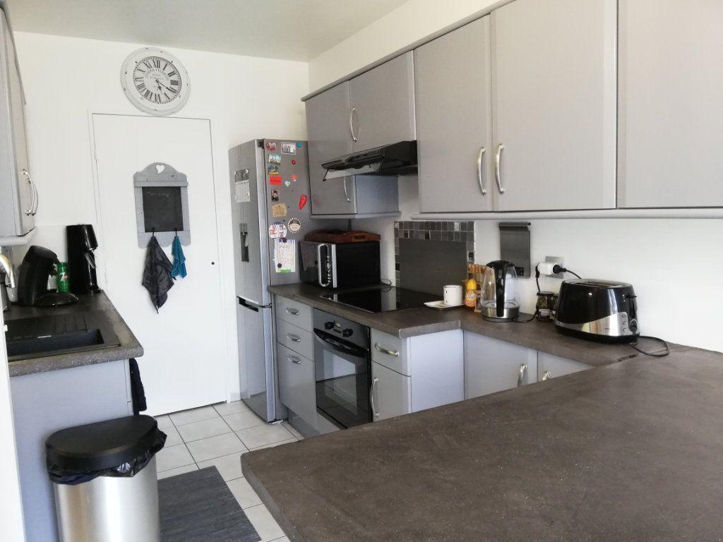 Maison à louer 5 102.3m2 à Bailly-Romainvilliers vignette-5