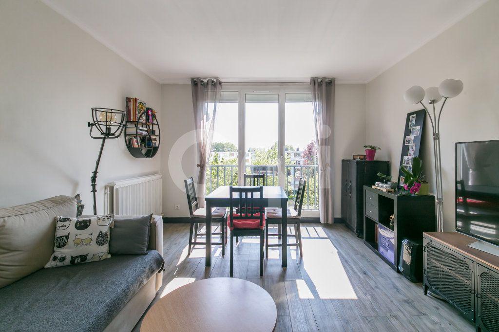 Appartement à vendre 3 54.72m2 à Joinville-le-Pont vignette-3