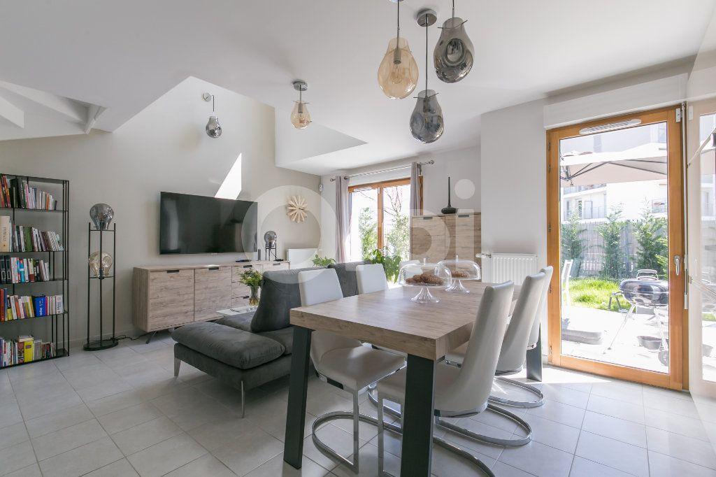 Maison à vendre 3 71.3m2 à Bussy-Saint-Georges vignette-1