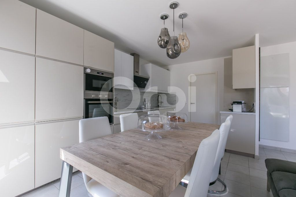 Maison à vendre 3 71.3m2 à Bussy-Saint-Georges vignette-2