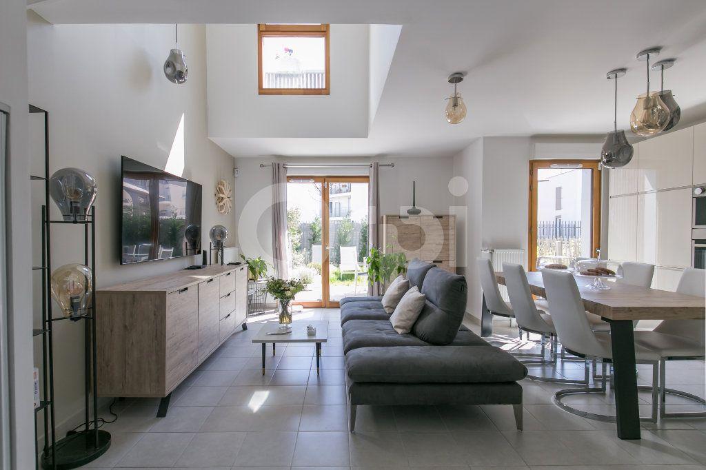 Maison à vendre 3 71.3m2 à Bussy-Saint-Georges vignette-3