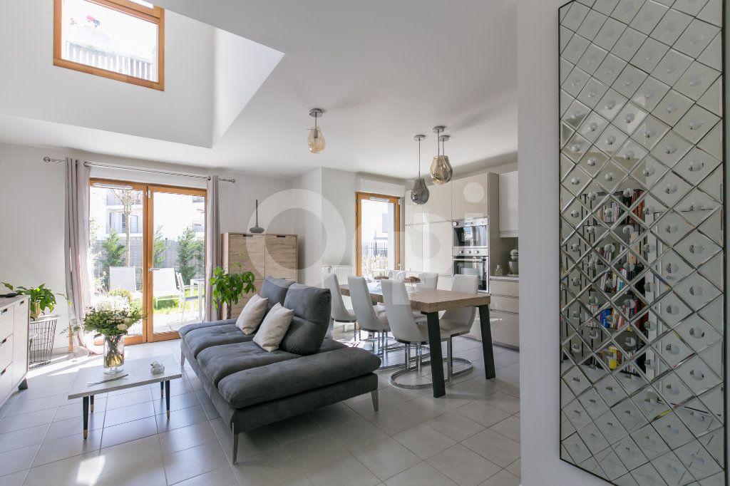 Maison à vendre 3 71.3m2 à Bussy-Saint-Georges vignette-6