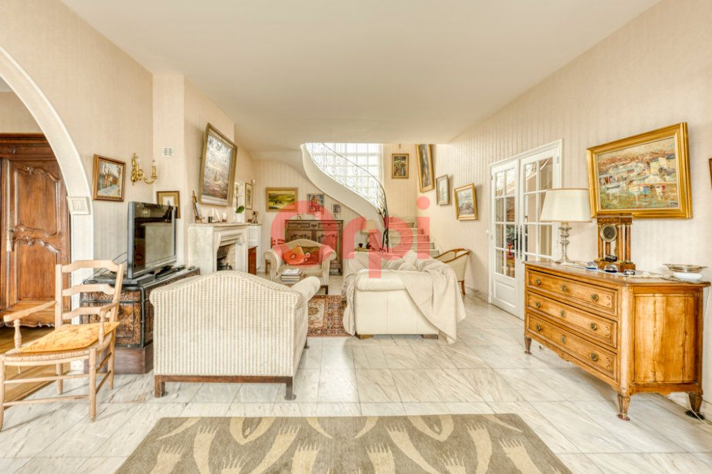 Maison à vendre 8 200m2 à Lagny-sur-Marne vignette-1