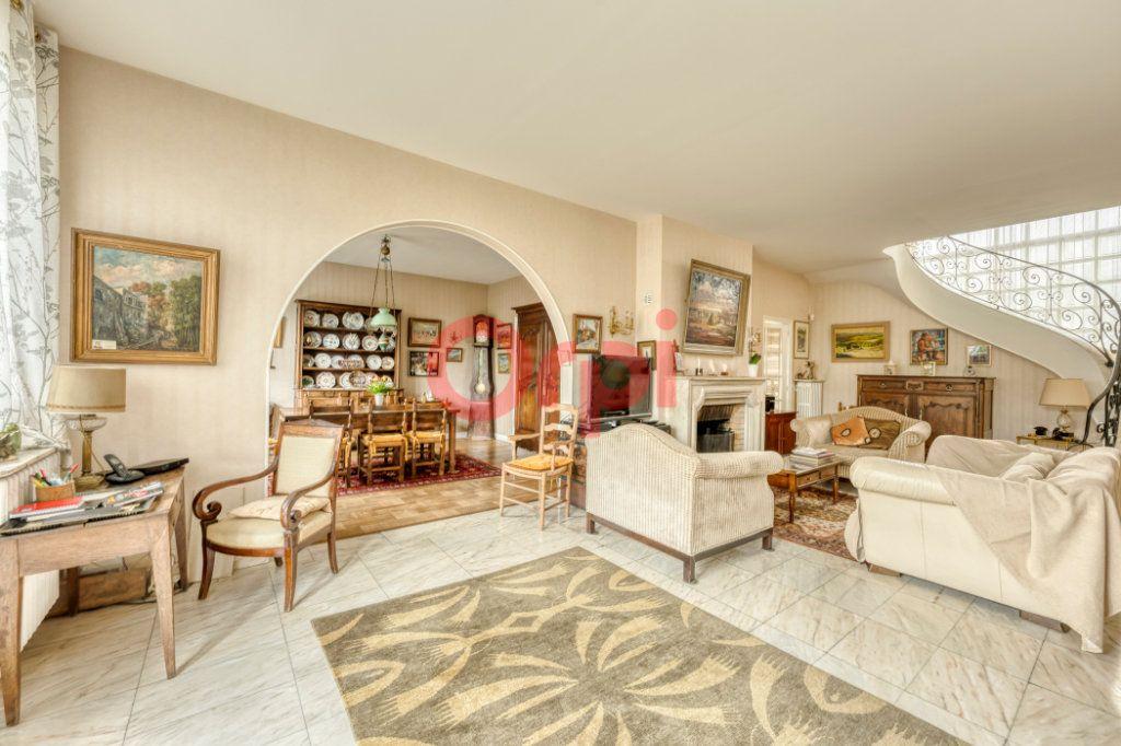 Maison à vendre 8 200m2 à Lagny-sur-Marne vignette-3