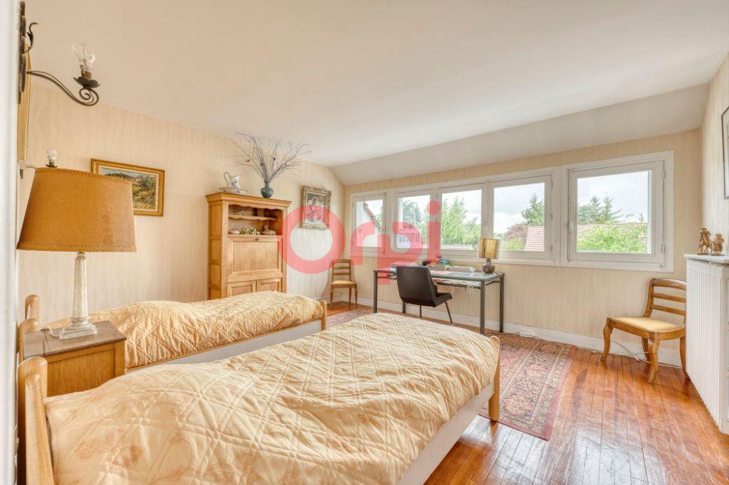 Maison à vendre 8 200m2 à Lagny-sur-Marne vignette-8