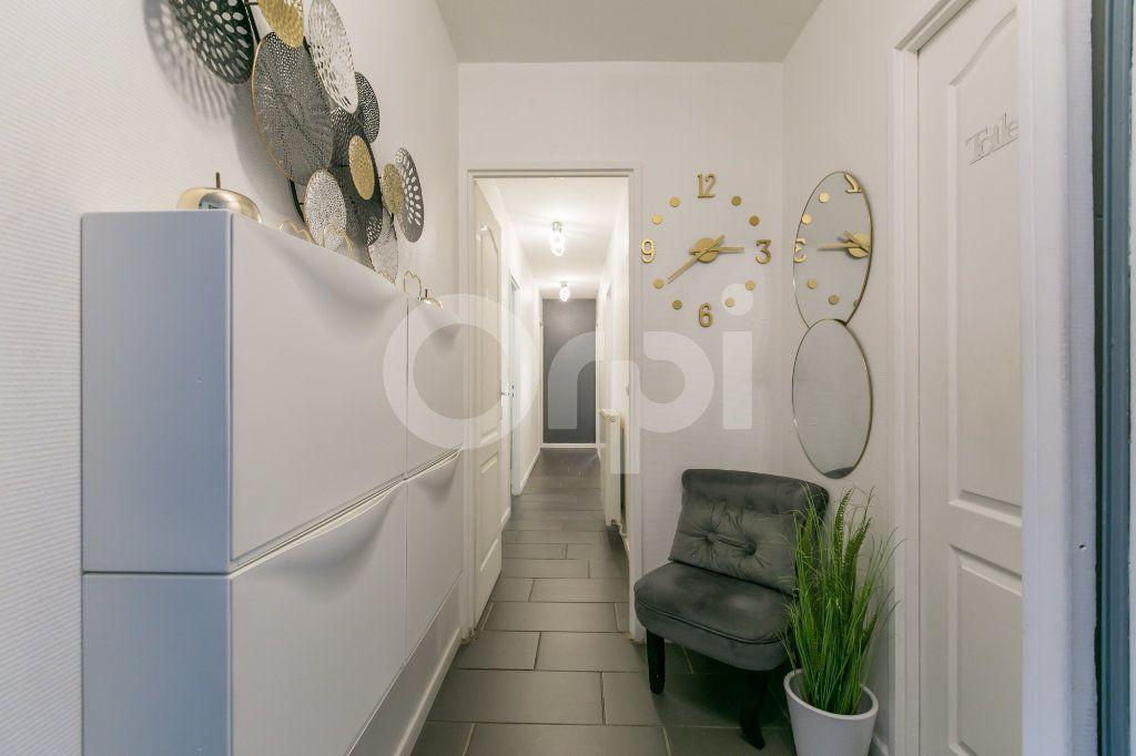 Appartement à vendre 4 84.32m2 à Noisiel vignette-8