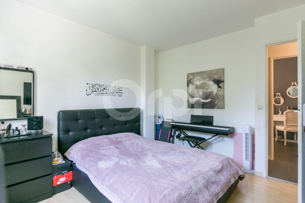 Appartement à vendre 4 84.32m2 à Noisiel vignette-12