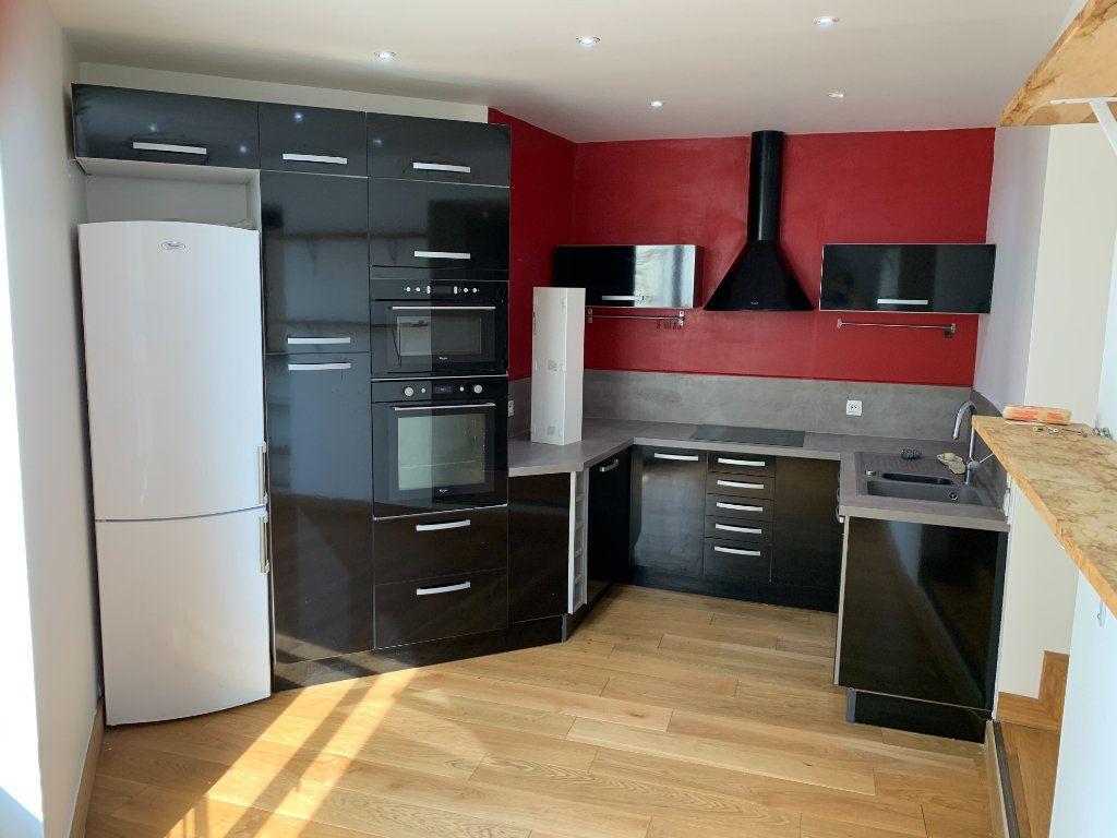 Appartement à louer 3 64.47m2 à Lagny-sur-Marne vignette-1