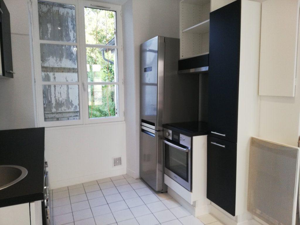 Appartement à louer 2 28.6m2 à Lagny-sur-Marne vignette-2