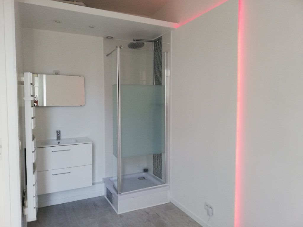 Appartement à louer 2 28.6m2 à Lagny-sur-Marne vignette-4