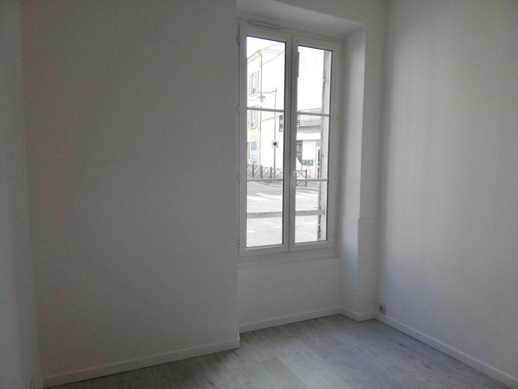 Appartement à louer 2 28.6m2 à Lagny-sur-Marne vignette-5