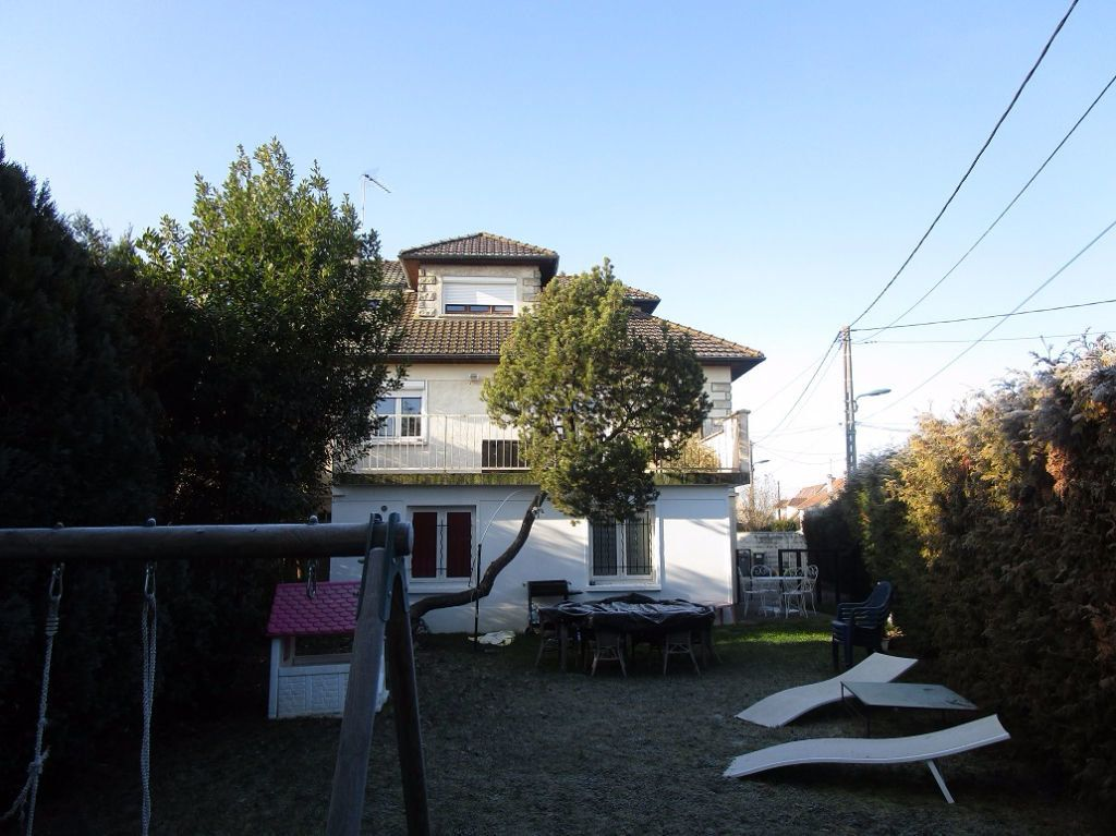 Immeuble à vendre 0 290m2 à Ozoir-la-Ferrière vignette-2