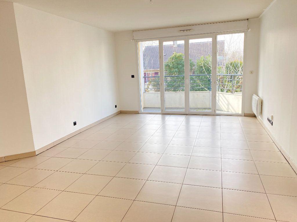 Appartement à vendre 3 68.47m2 à Pontault-Combault vignette-2