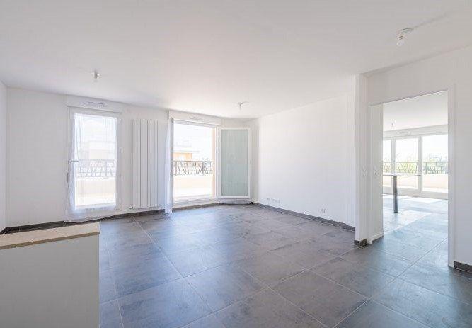 Appartement à louer 4 92.66m2 à Pontault-Combault vignette-1