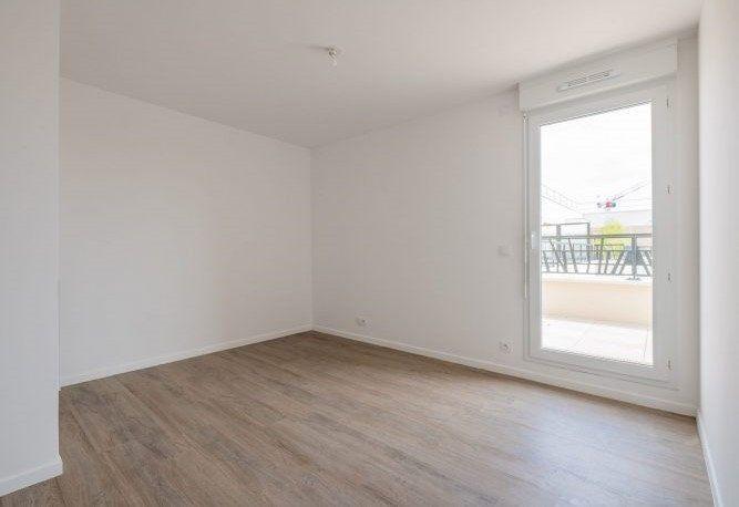 Appartement à louer 4 92.66m2 à Pontault-Combault vignette-4