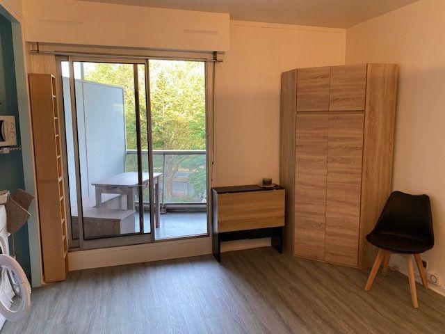 Appartement à louer 1 17m2 à Paris 12 vignette-1
