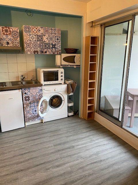 Appartement à louer 1 17m2 à Paris 12 vignette-4