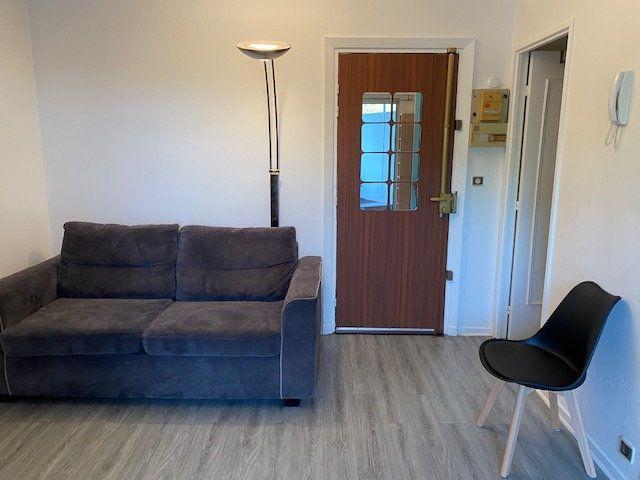 Appartement à louer 1 17m2 à Paris 12 vignette-5