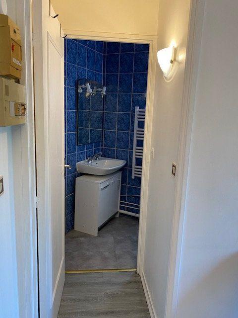 Appartement à louer 1 17m2 à Paris 12 vignette-6