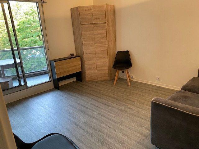 Appartement à louer 1 17m2 à Paris 12 vignette-10