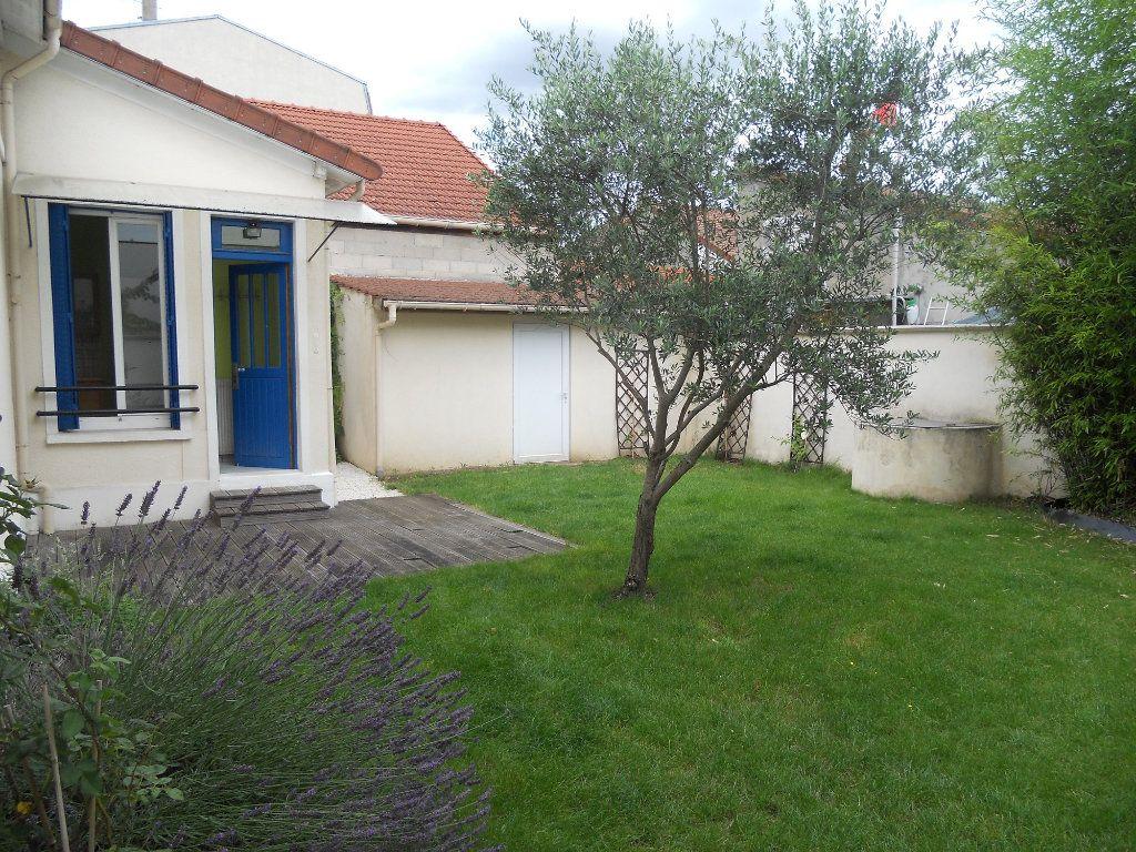 Maison à louer 3 49.21m2 à Saint-Maur-des-Fossés vignette-1