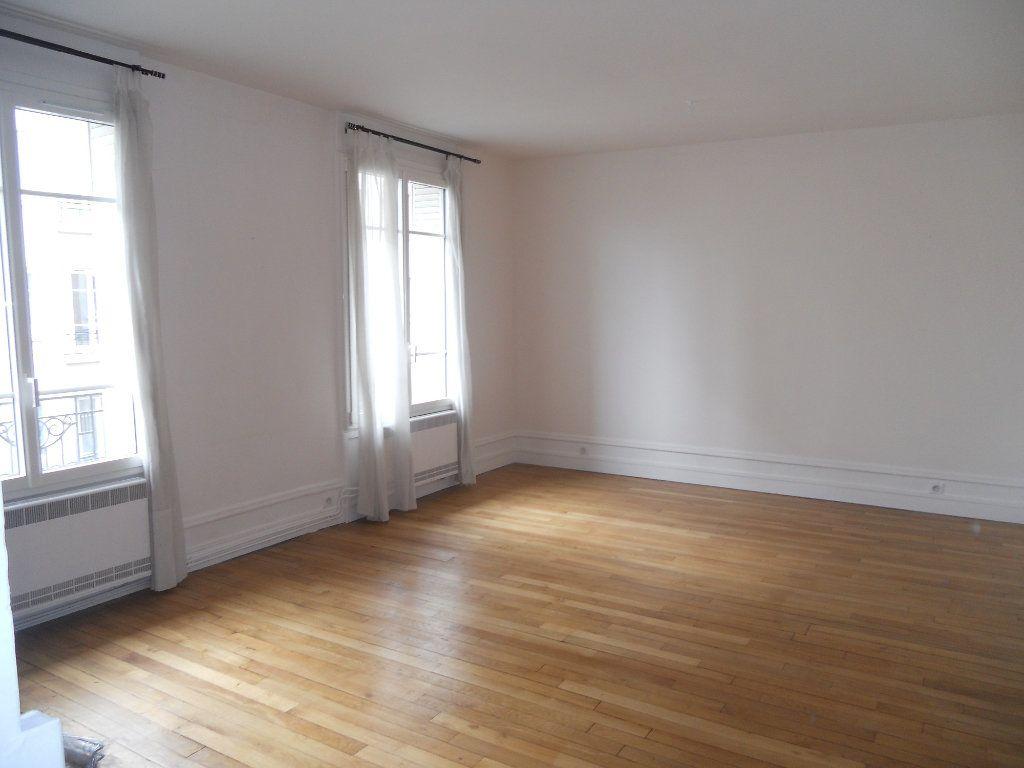 Appartement à louer 2 49.62m2 à La Varenne - Saint-Maur-des-Fossés vignette-3