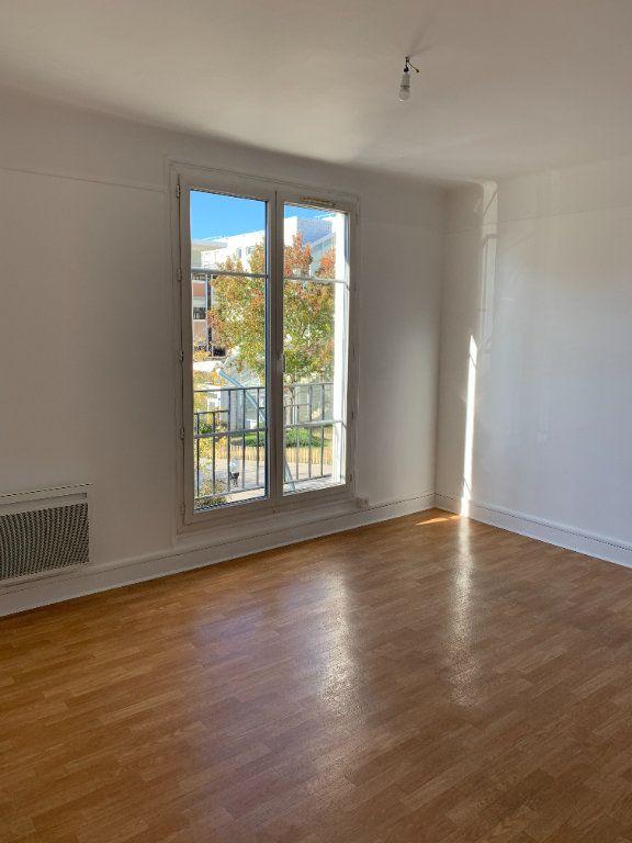 Appartement à louer 2 40.38m2 à La Varenne - Saint-Maur-des-Fossés vignette-2