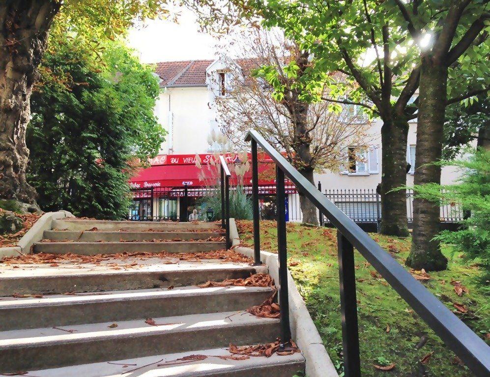 Appartement à louer 1 19m2 à Saint-Maur-des-Fossés vignette-2