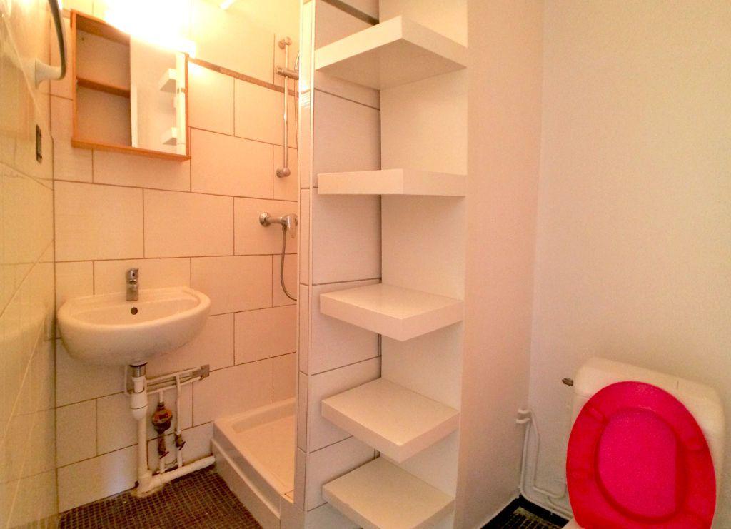 Appartement à louer 1 19m2 à Saint-Maur-des-Fossés vignette-4