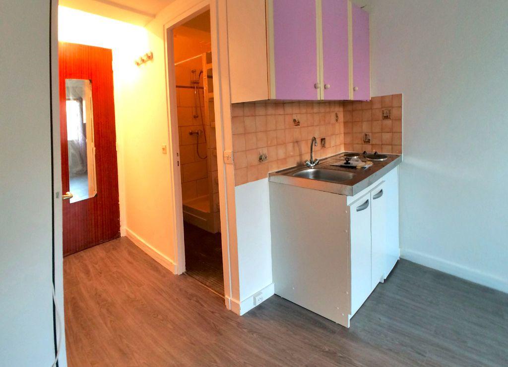 Appartement à louer 1 19m2 à Saint-Maur-des-Fossés vignette-5