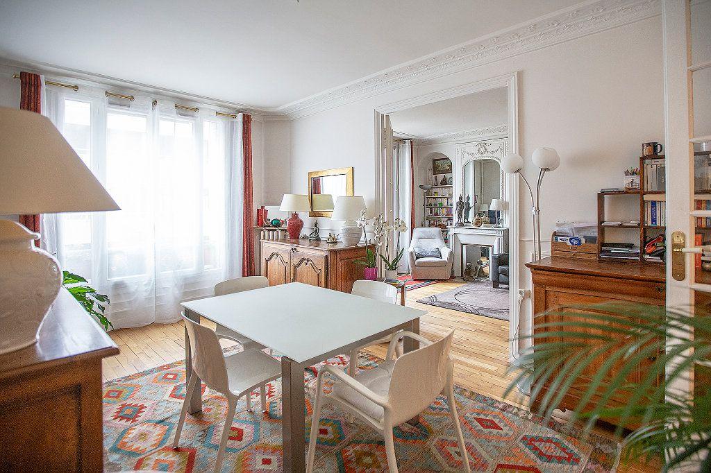 Appartement à vendre 3 67.68m2 à Paris 13 vignette-4