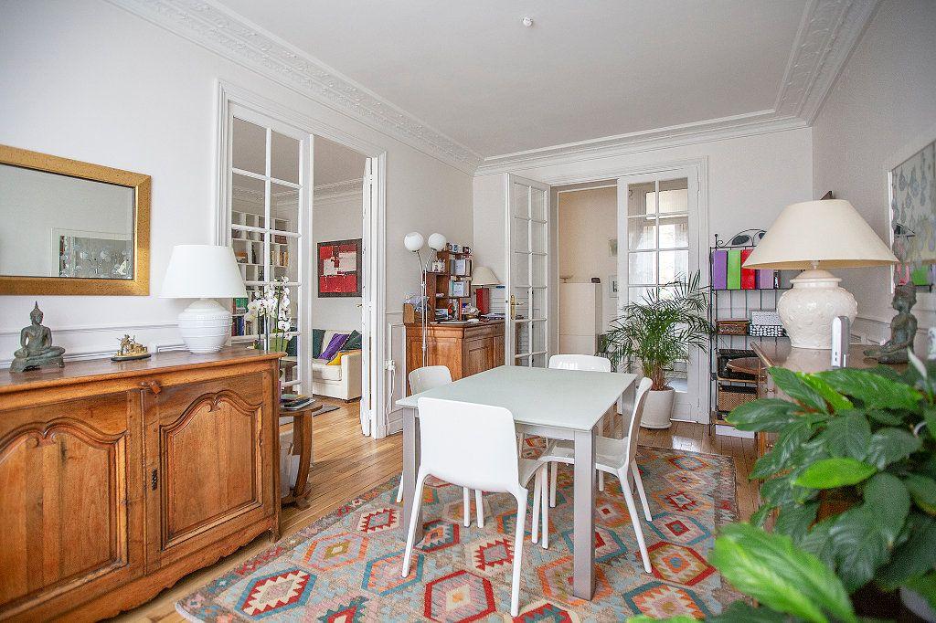Appartement à vendre 3 67.68m2 à Paris 13 vignette-6